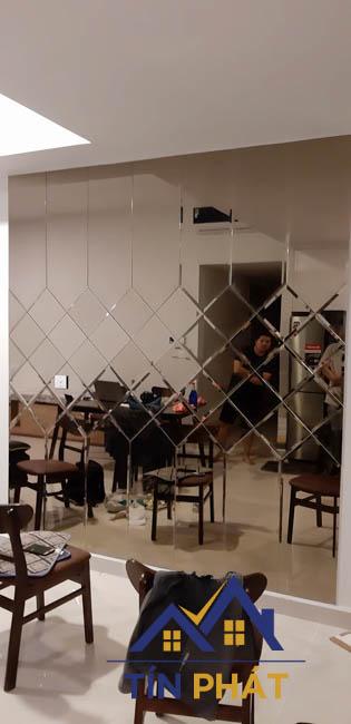 Gương trang trí Lâm Đồng nghệ thuật cho phòng ngủ rất cần thiết