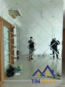 Hướng dẫn cách gắn gương lên tường như chuyên gia bạn nên thử 2